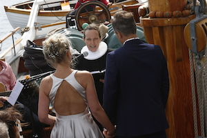 Wedding-ceremoni-on-board-the-Schooner